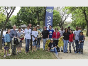 UNITED: Members of the Greater Kyalami Conservancy Organisation (Gekco) join in the clean-up. Photo: Anton van Niekerk.